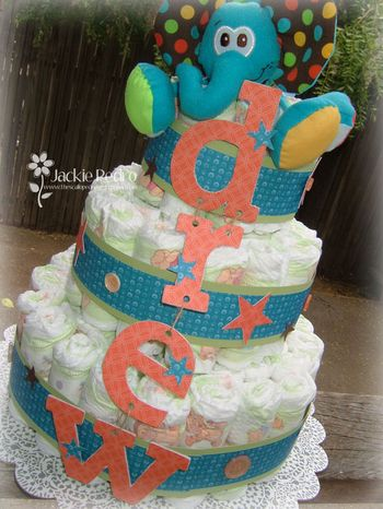 Drew-Diaper-Cake-Close-Up_J